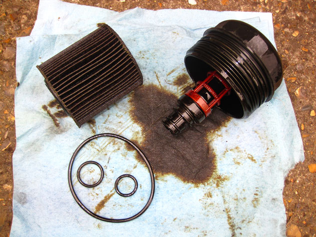 BMW e46 Oil Filter Old